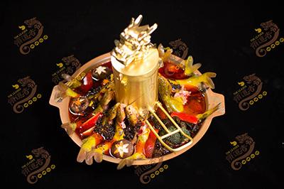 领道者火锅餐饮行业首先首选 行业革命性的升级产品赶快加入吧!
